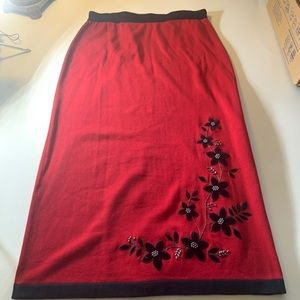 NWT Red Sweater Skirt Black Floral Appliqués